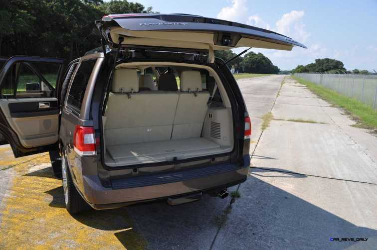 2015 Lincoln NAVIGATOR 4x4 Reserve - Interior Photos 13