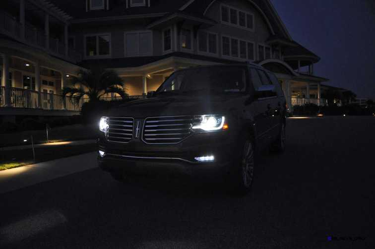 2015 Lincoln NAVIGATOR 4x4 Reserve LED Lighting Photos 12