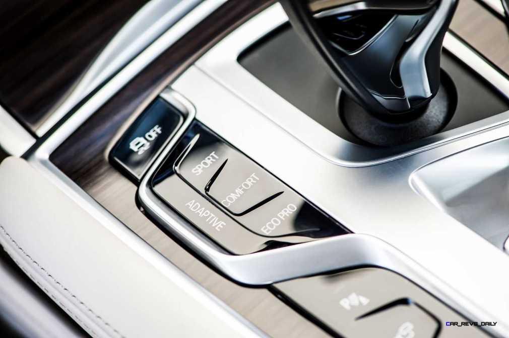 2016 BMW 750Li Interior 35