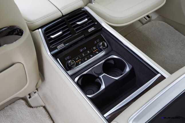 2016 BMW 750Li Interior 45