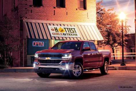 2016-Chevrolet-Silverado-LT-at-Restaurant-005