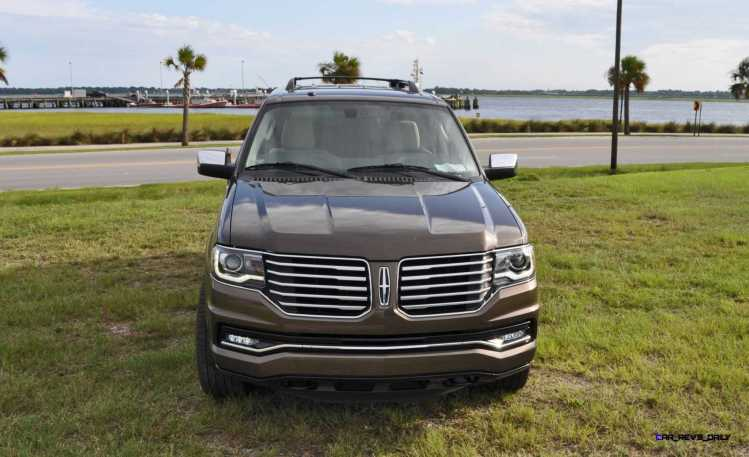 HD Road Test Review - 2015 Lincoln NAVIGATOR 4x4 Reserve 11