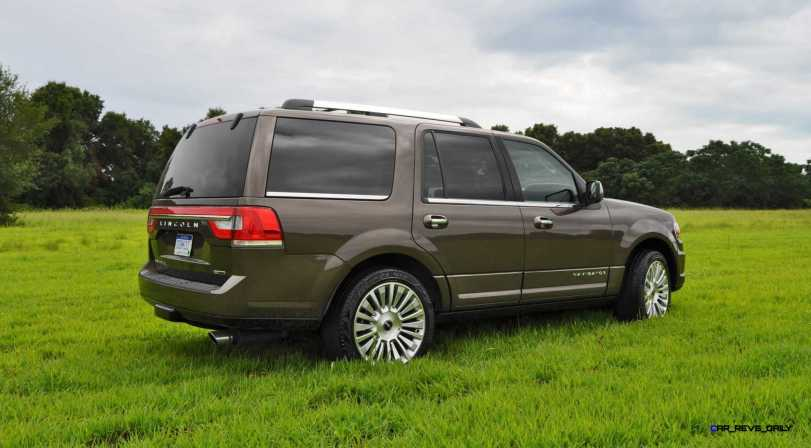 HD Road Test Review - 2015 Lincoln NAVIGATOR 4x4 Reserve 41