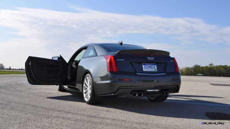 2016 Cadillac ATS-V Coupe 32