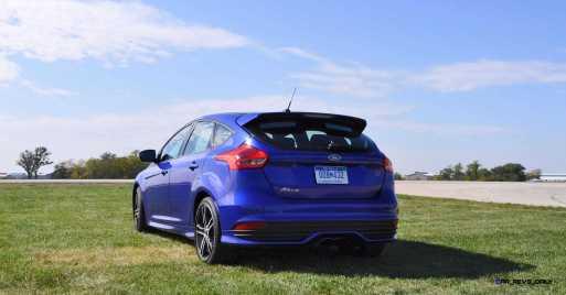 2016 Ford FOCUS ST Kona Blue 63