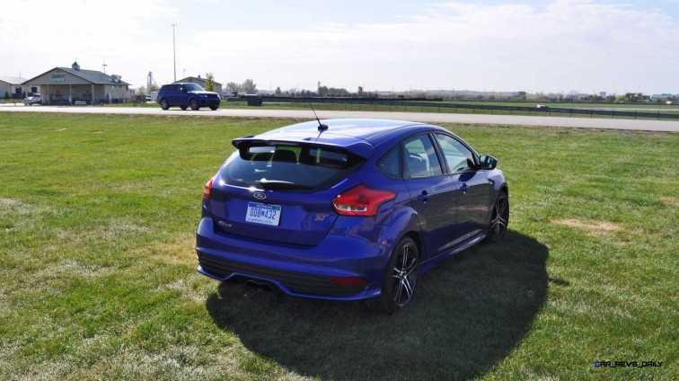 2016 Ford FOCUS ST Kona Blue 73