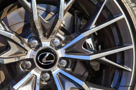 2016 Lexus GS-F 31
