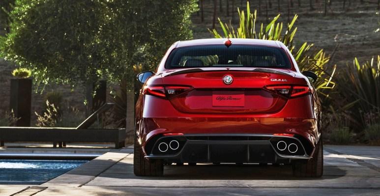 2016 Alfa Romeo GIULIA Quadrifoglio 2