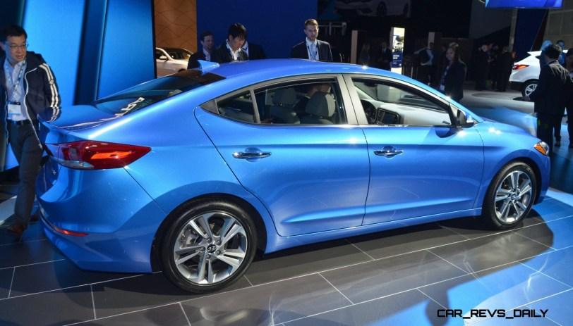 2017 Hyundai ELANTRA Sedan 10