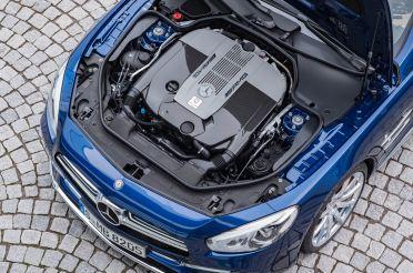 Mercedes-AMG SL 65, Brilliantblau, V12-Biturbomotor, 463 kW (630 PS), 1000 Nm Mercedes-AMG SL 65, brilliant blue, V12-biturbo engine, 463 kW (630 hp), 1000 Nm