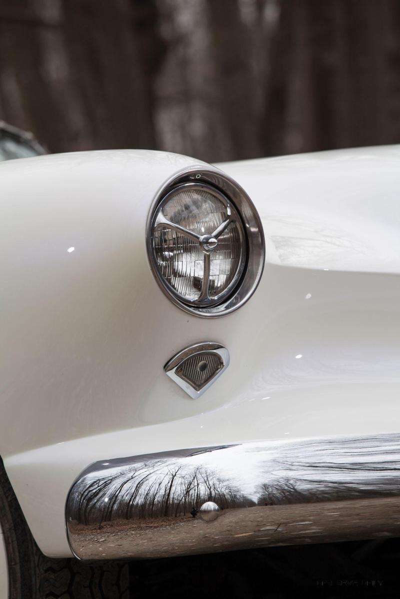 1954 Kaiser-Darrin Roadster 8