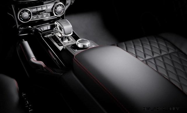 Mercedes-Benz G-Klasse, designo manufaktur, Interieur: designo Leder schwarz mit roten Zierähten Mercedes-Benz G-Klasse, designo manufaktur, interior: designo leather black with red topstiching