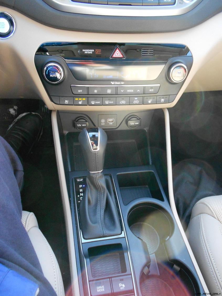 2016 Hyundai Tucson Review - Interior Photos 14