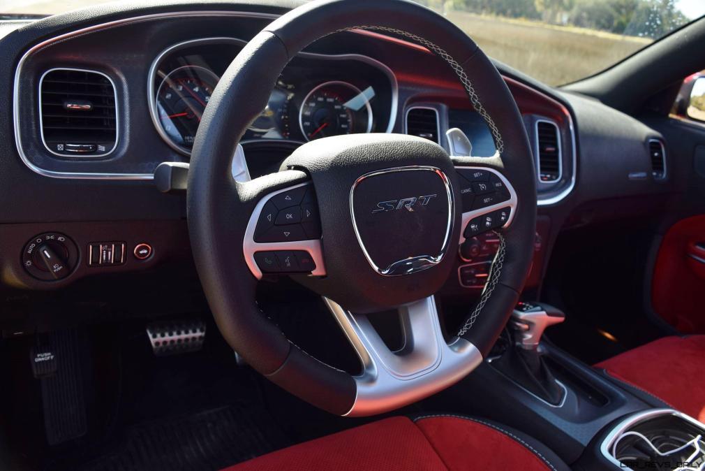 2016 Dodge Charger SRT392 Interior 23