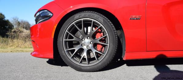 HD Road Test Review - 2016 Dodge Charger SRT392 65