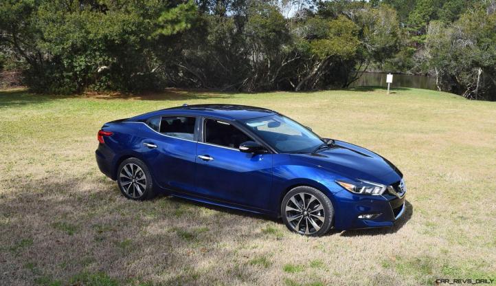 HD Road Test Review - 2016 Nissan Maxima SR 4