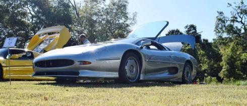 1994 Jaguar XJ220 5