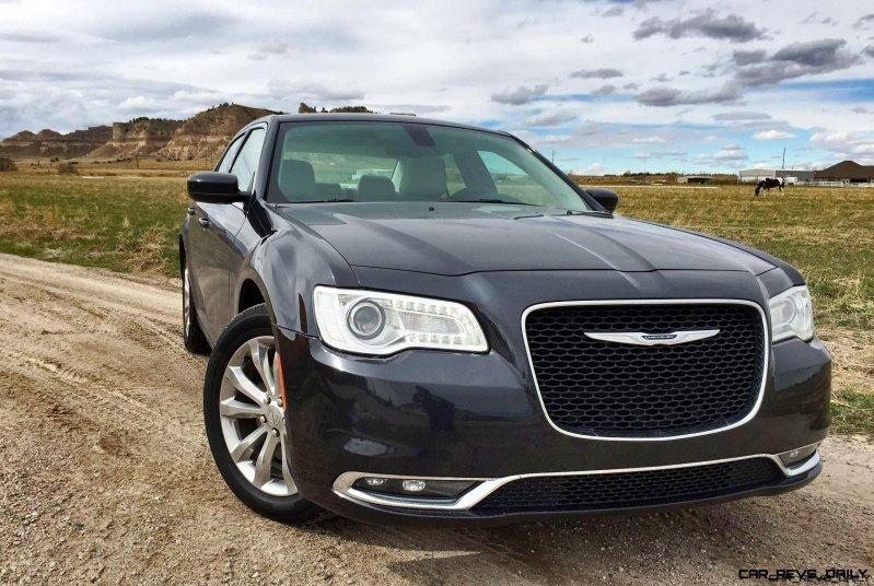 2016 Chrysler 300 Limited 4