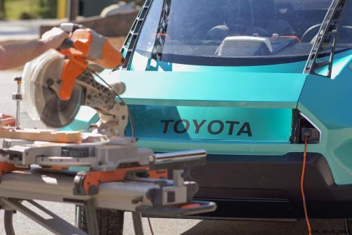 2016 Toyota UBOX Concept 9