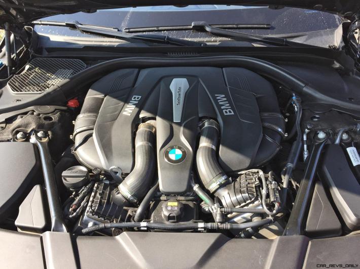 2016 BMW 750i 25