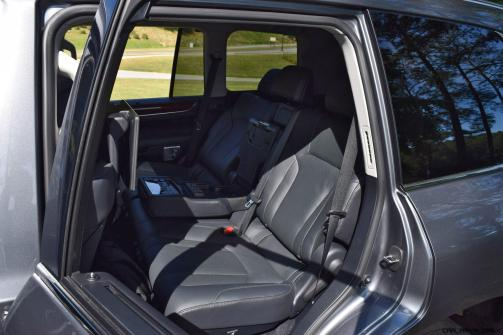 2016 Lexus LX570 Interior Photos 10