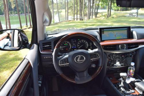 2016 Lexus LX570 Interior Photos 2
