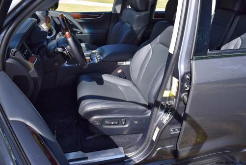 2016 Lexus LX570 Interior Photos 4