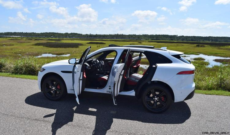 2017 Jaguar F-Pace S - White Exterior 92