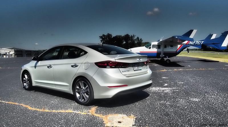 2017-hyundai-elantra-limited-road-test-review-by-lyndon-johnson-4
