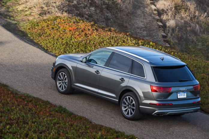 2017 Audi Q7 USA 33