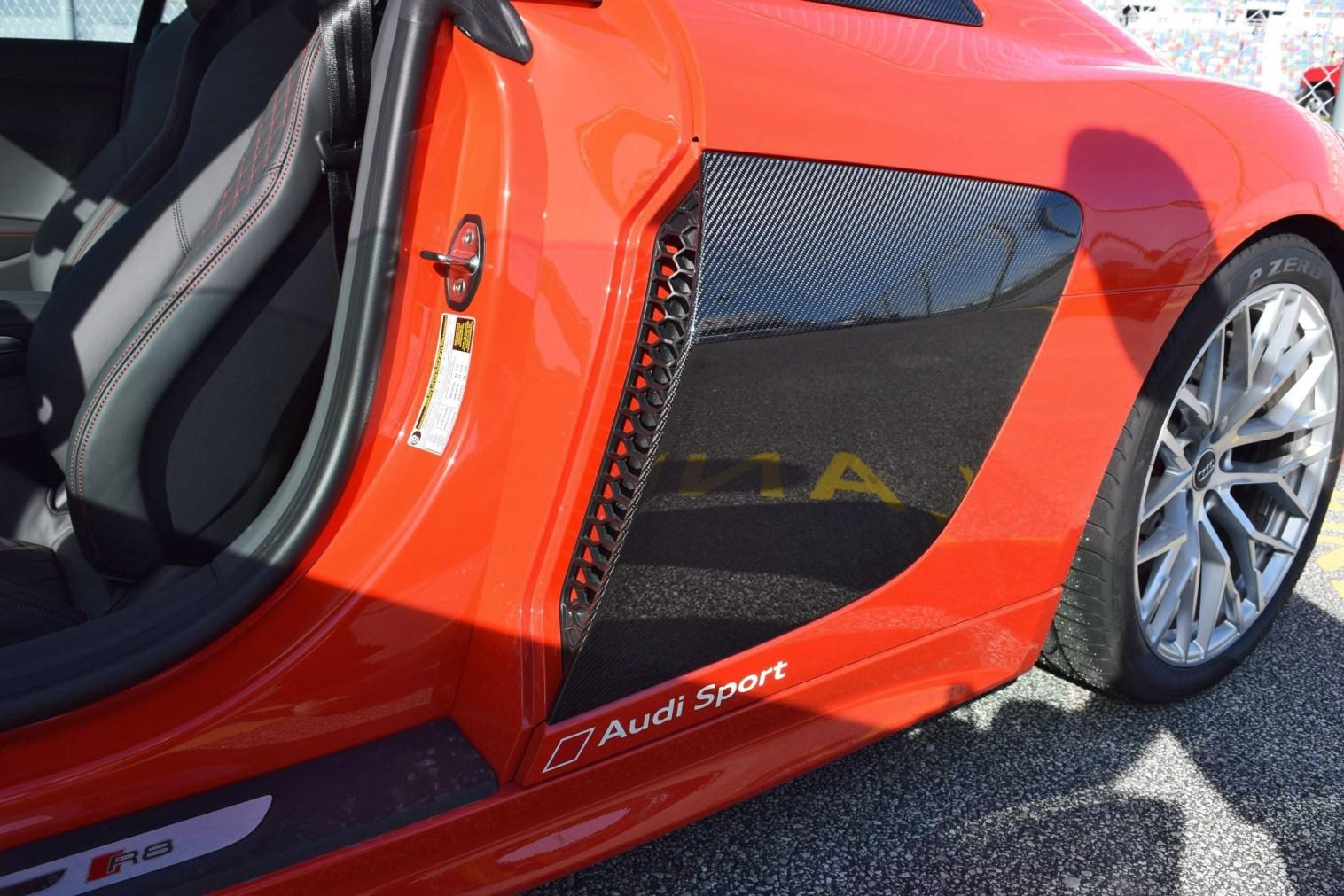 2017 Audi R8 V10 Dynamite Red 15
