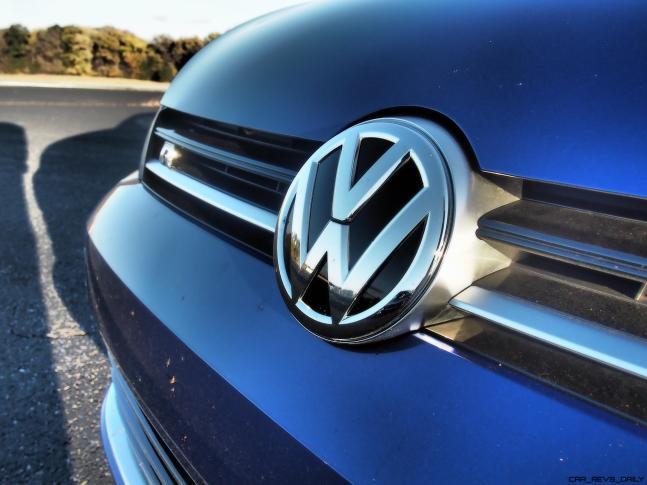 2016 VW Golf R Lapiz Blue by Lyndon Johnson 16