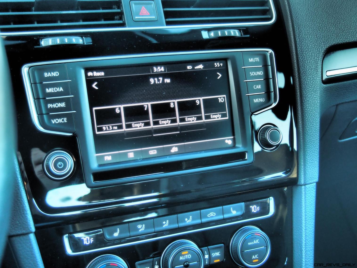 2016 VW Golf R Lapiz Blue by Lyndon Johnson 35
