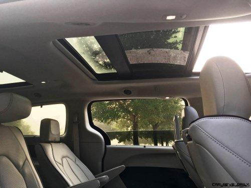 2017 Chrysler Pacifica 33