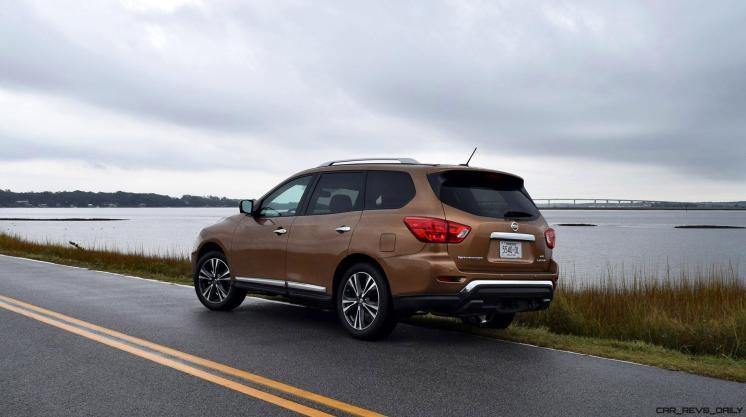 2017 Nissan Pathfinder Platinum 4WD 1
