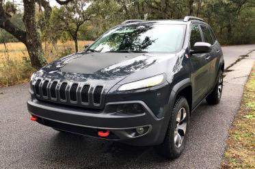 2017 Jeep Cherokee TRAILHAWK 36