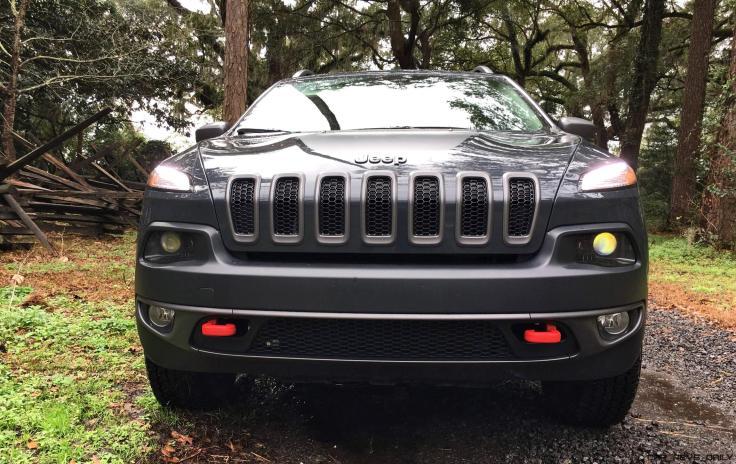 2017 Jeep Cherokee TRAILHAWK 62
