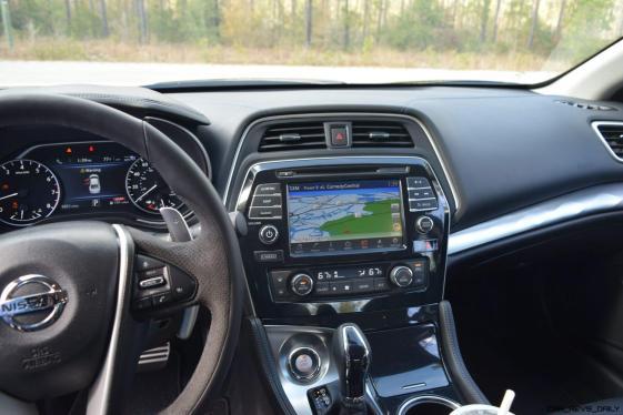 2017 Nissan Maxima SR Midnight Edition - Interior 11