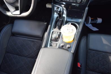 2017 Nissan Maxima SR Midnight Edition - Interior 8