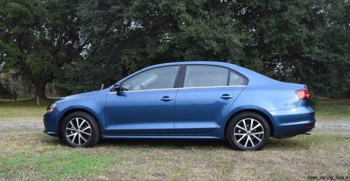 2017 VW Jetta 1.4T - HD Road Test Review 22