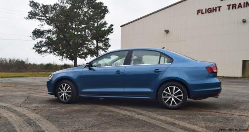2017 VW Jetta 1.4T - HD Road Test Review 42