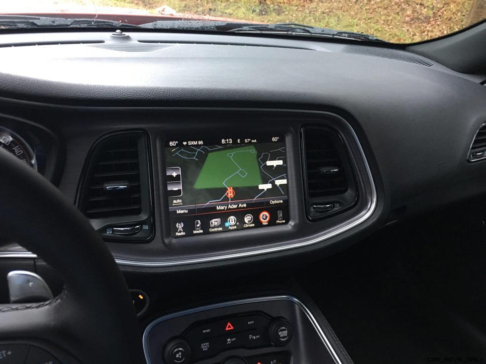 Widescreen Gallery - 2016 Dodge Challenger 3