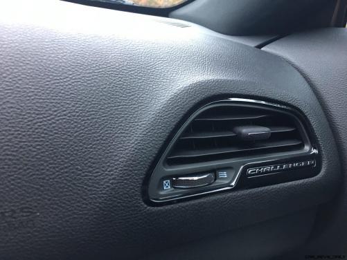 Widescreen Gallery - 2016 Dodge Challenger 8