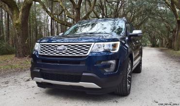 2017 Ford Explorer PLATINUM Exterior 4