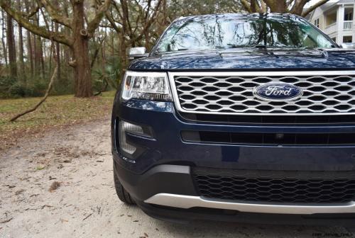 2017 Ford Explorer PLATINUM Exterior 7