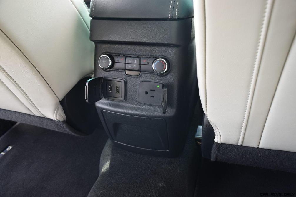 2017 Ford Explorer Platinum - Interior 12