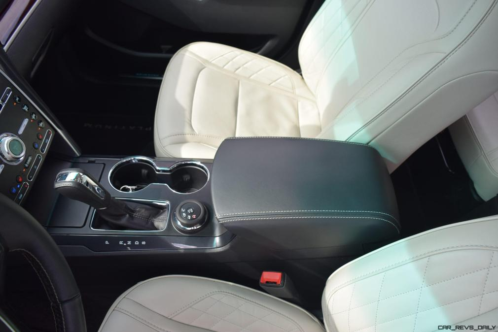 2017 Ford Explorer Platinum - Interior 9