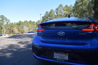 2017 Hyundai Ioniq Hybrid 10