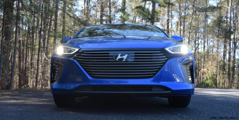 2017 Hyundai Ioniq Hybrid 15