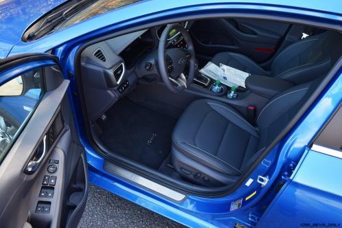 2017 Hyundai Ioniq Hybrid 28